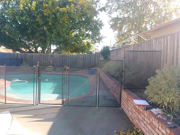 5 ft pool fence installed in Martinez, California