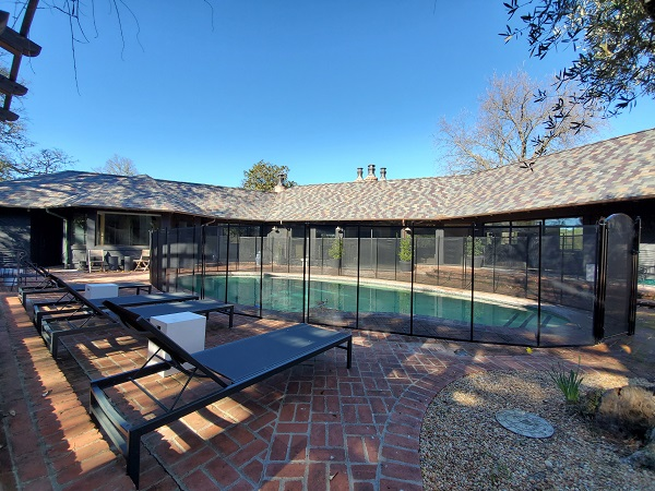 black mesh pool fence installed in Healdsburg, CA