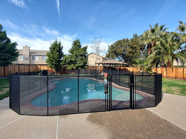pool fence installed in Brentwood, CA by Life Saver San Ramon
