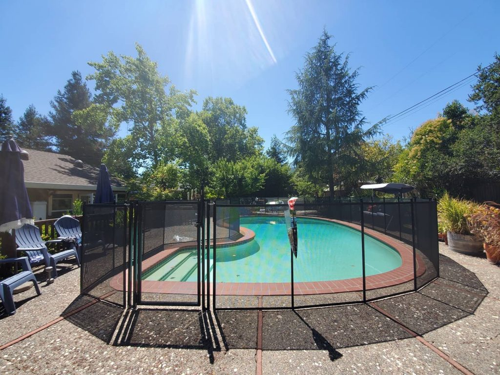 Life Saver mesh pool fence installed in Sonoma, CA