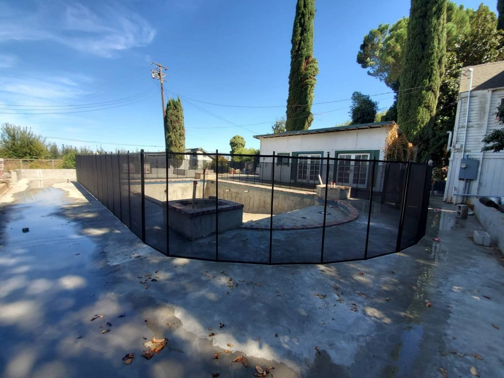 black mesh pool fence installed in Courtland, CA
