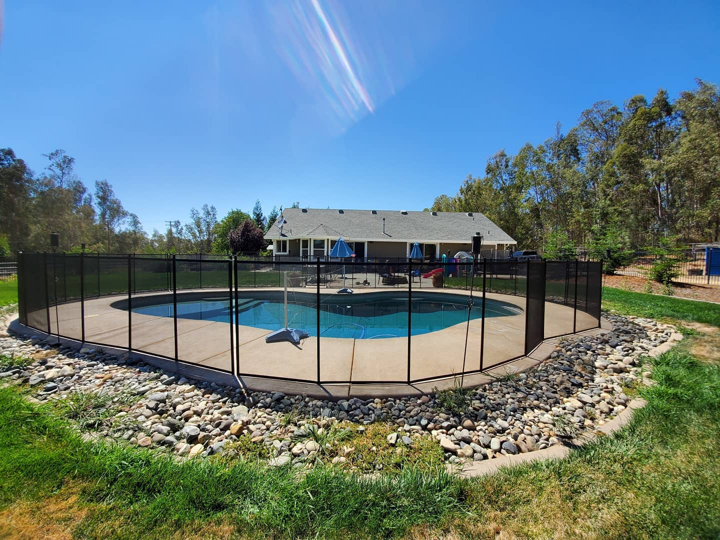 removable mesh pool fence