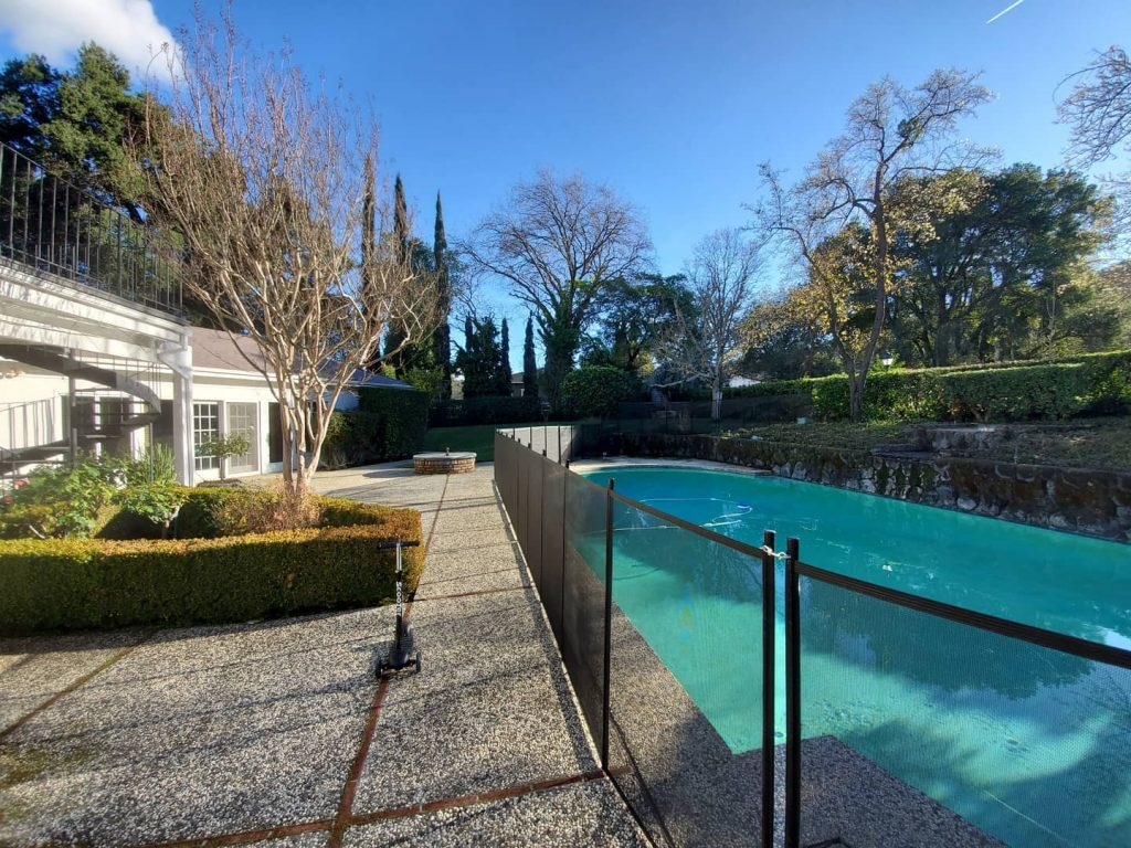 child pool safety fence installed in Castlewood, CA
